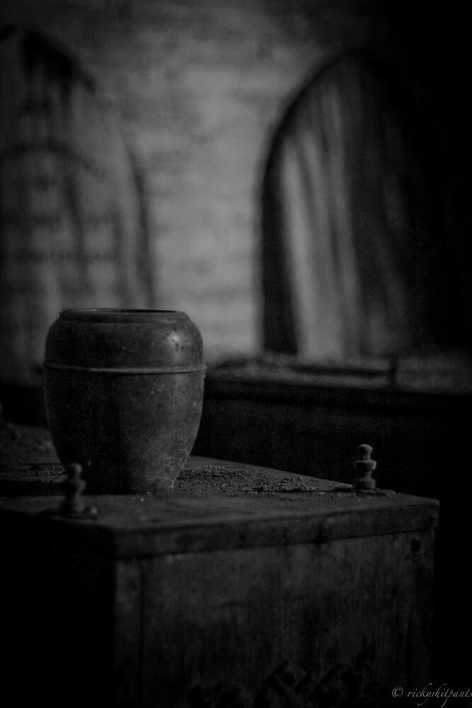 Urn by Richard Pitman