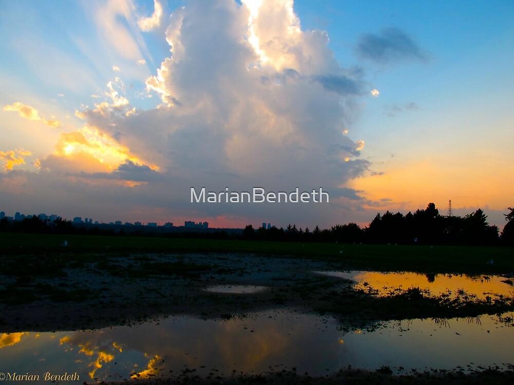 Boomerang light by MarianBendeth