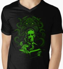 Love Cthulhu Men's V-Neck T-Shirt