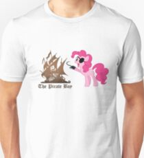 Pinkie Pie loves The Pirate Bay (TPB) T-Shirt