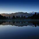 Lake Matheson, New Zealand by M De Freitas