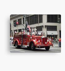 Lienzo Vintage Fire Engine, Polish Day Parade, Fifth Avenue, New York City