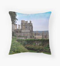 Castillo de Windsor...........................................Londres. Throw Pillow