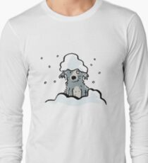 dog in the snow Long Sleeve T-Shirt