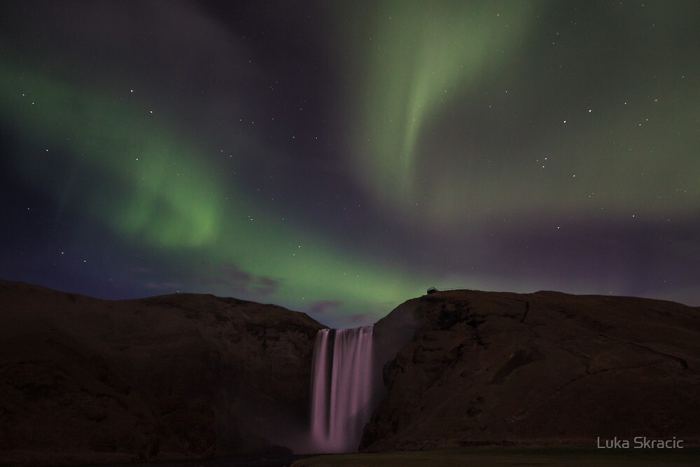 Northern lights at Skógafoss by Luka Skracic