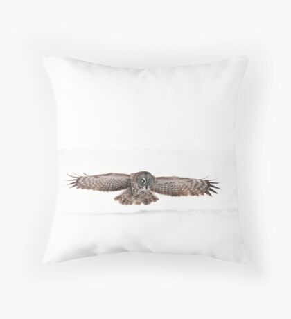 Silent Hunter - Great Grey Owl Throw Pillow