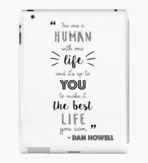 Dan Howell Zitat (Schwarz-Weiß) iPad-Hülle & Klebefolie