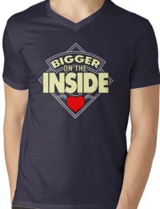 WHO has the Bigger Heart? Mens V-Neck T-Shirt
