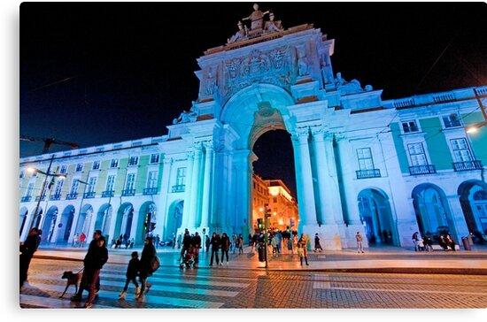 Blue plaza. Arco da Rua Augusta em azul by terezadelpilar ~ art & architecture