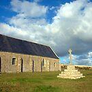 St Mathieu - Chapelle ND des Grâces by Jean-Luc Rollier