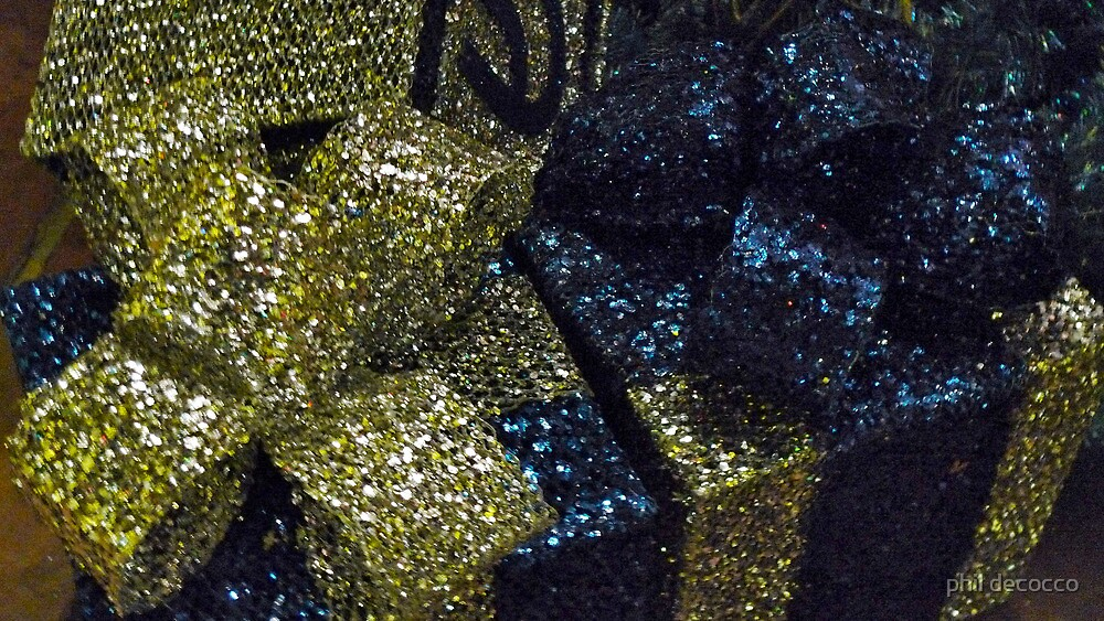 Gift Wrapped Glitter by phil decocco