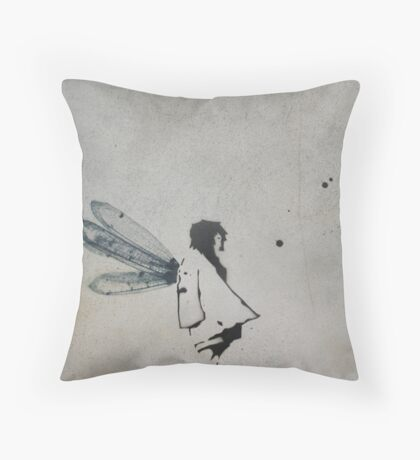 'i want to fly' Throw Pillow