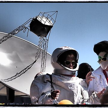 The Dish and Elvis Meet by cyn75