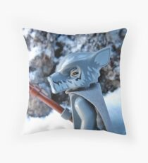 To the mountains Throw Pillow