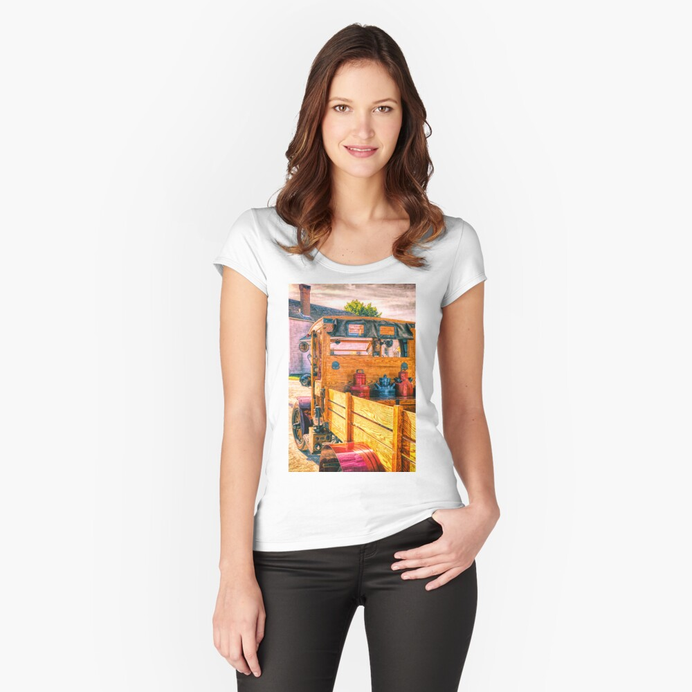 Stake-body Women's Fitted Scoop T-Shirt Front