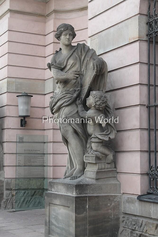 Berlin Statue by Katherine Hartlef