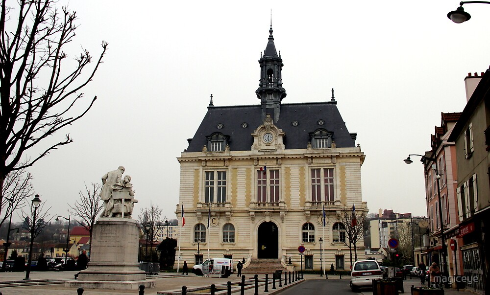 Town Hall in Corbeil-Essonnes by magiceye
