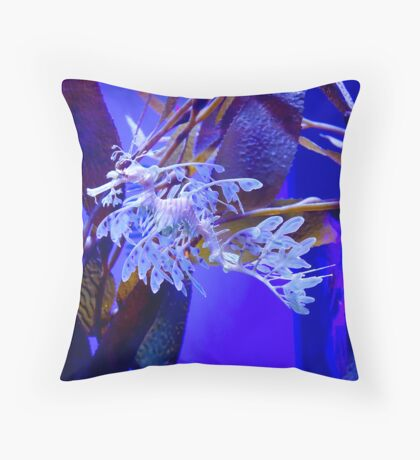 Leafy Illusion Throw Pillow