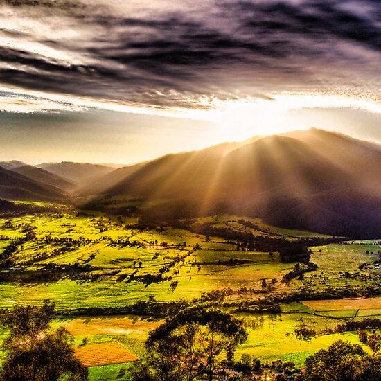 Sunrise @ Mt Beauty by raffyhalim