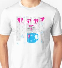Kitty in a cup Unisex T-Shirt