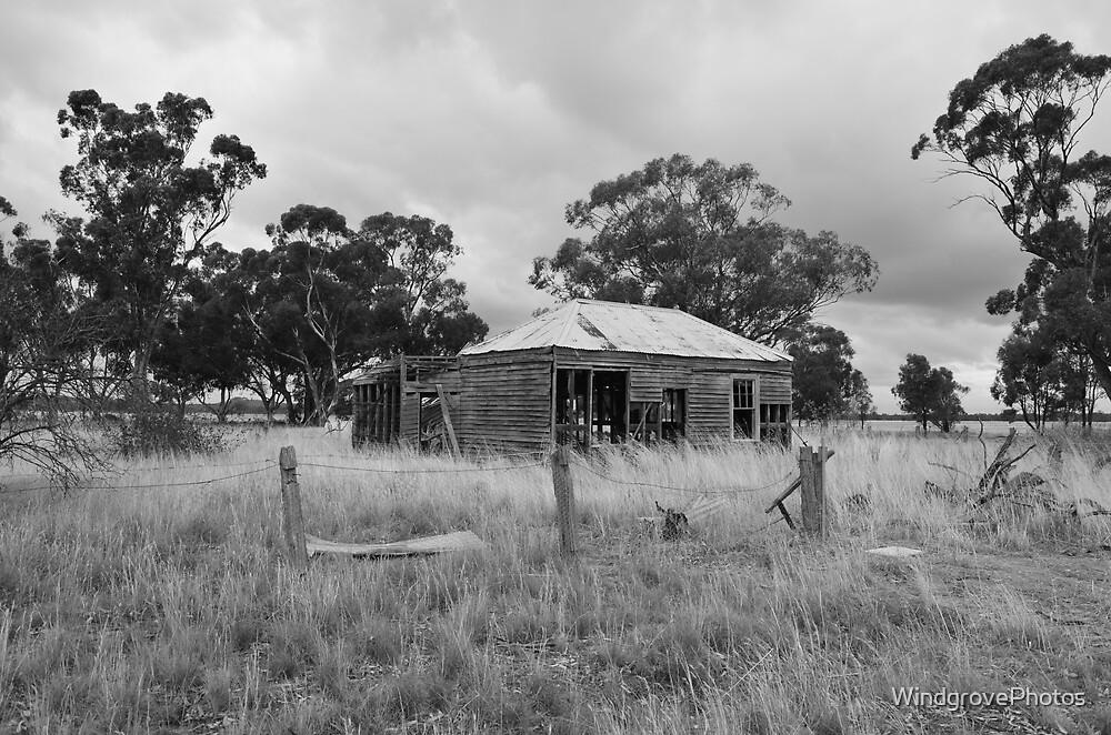 Old house by WindgrovePhotos