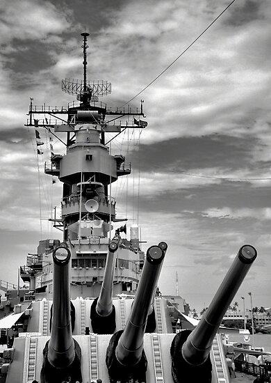 USS Missouri Guns  by Robert Meyers-Lussier