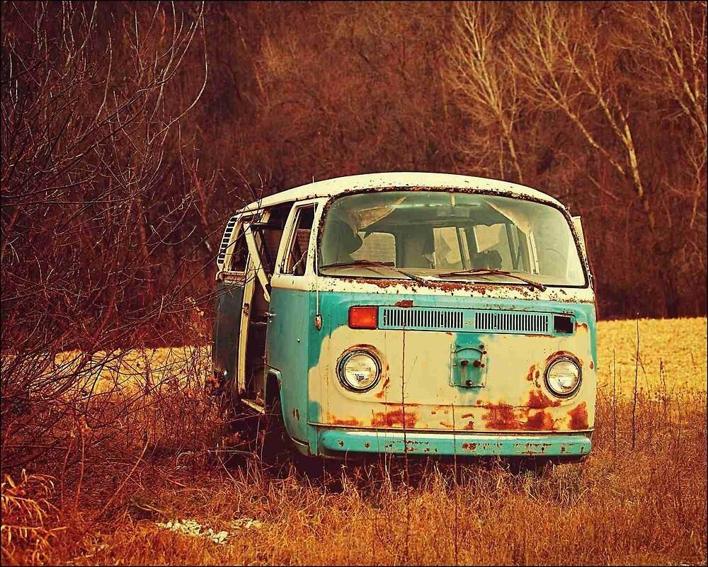 Old Vintage Van in the Autumn by mragentJ