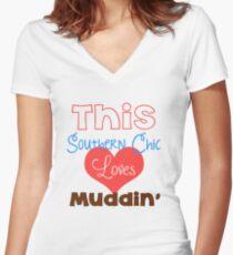 Southern Girl Loves Muddin' Women's Fitted V-Neck T-Shirt