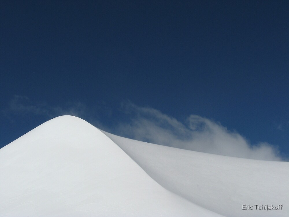 A dune of snow by Eric Tchijakoff