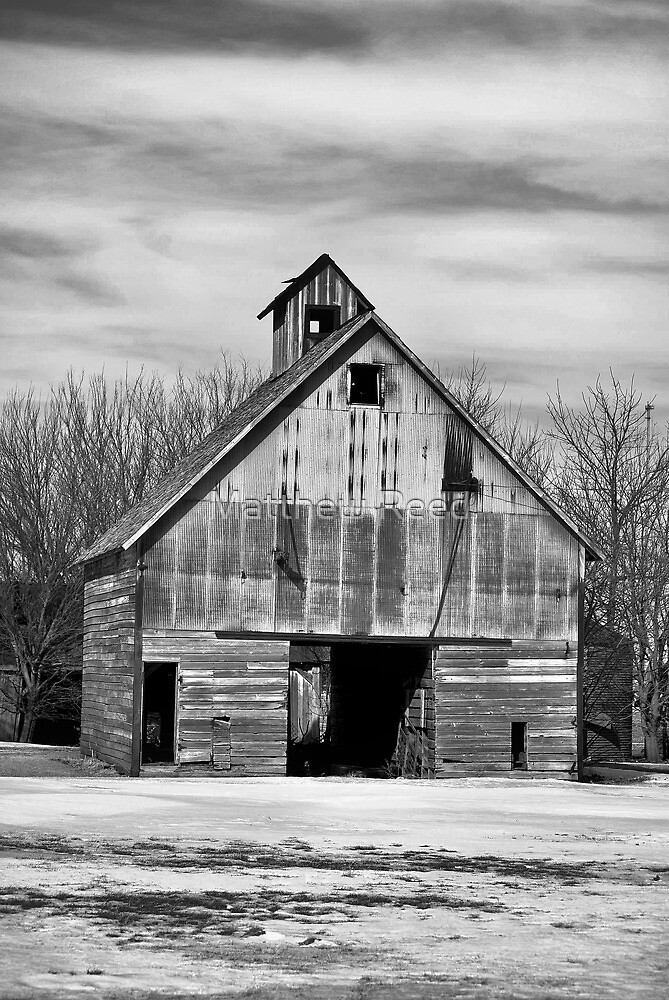 old barn by Matthew Reed