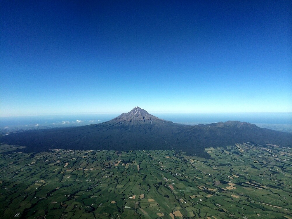 Mt Taranaki New Zealand by PasqualeG