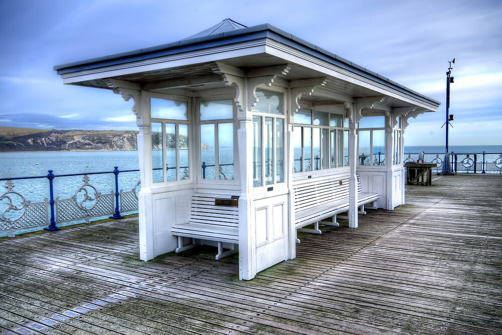 Swanage Pier by Stephen Smith