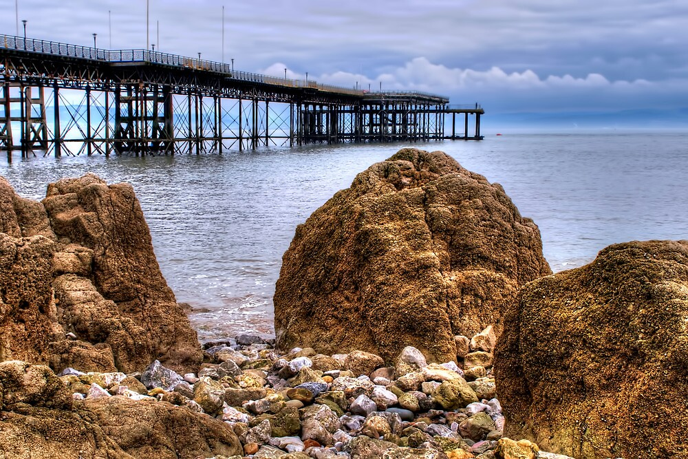 Mumbles Pier by Stephen Smith