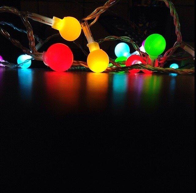Glowing lights by Burntstars
