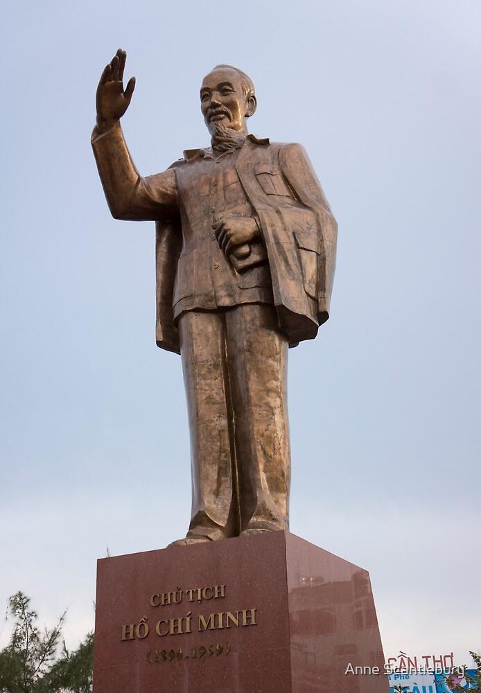 statue by Anne Scantlebury