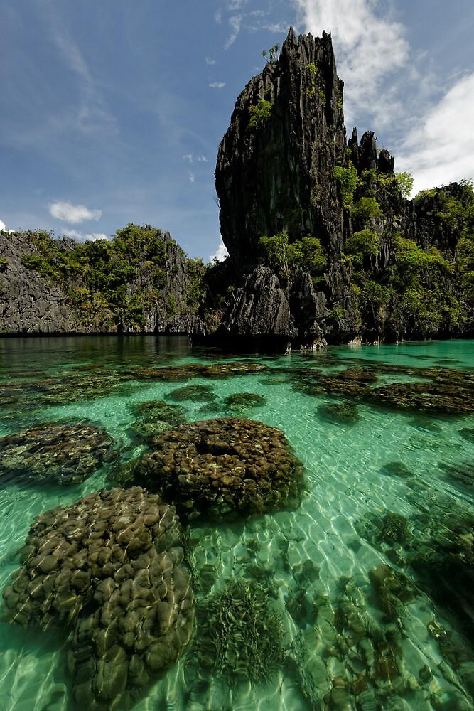 Miniloc Lagoons  by Robert Mullner