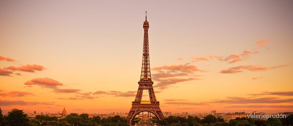 Madame Eiffel by valerieprudon