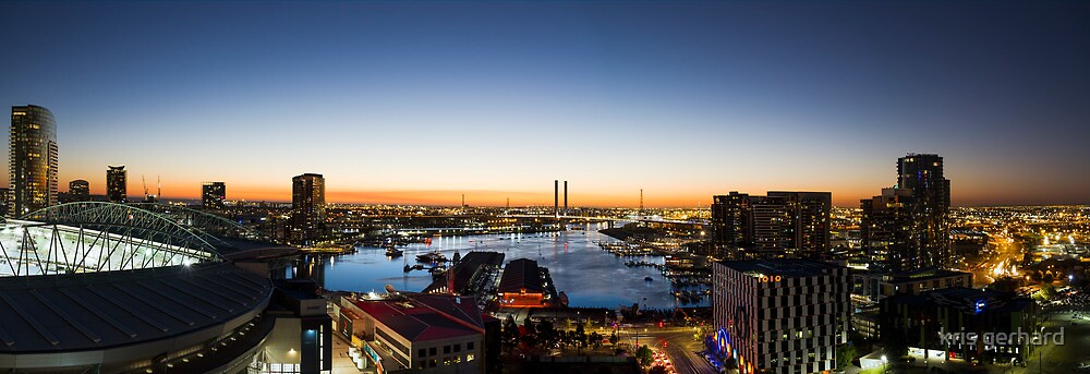 Docklands Panorama by kris gerhard