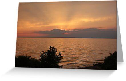 Lake Winnebago sunset. by Terese Raedts
