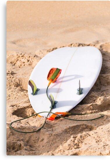 Surfboard on beach by homydesign