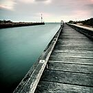 Mordialloc Pier on a summers night. by Thomas Anderson