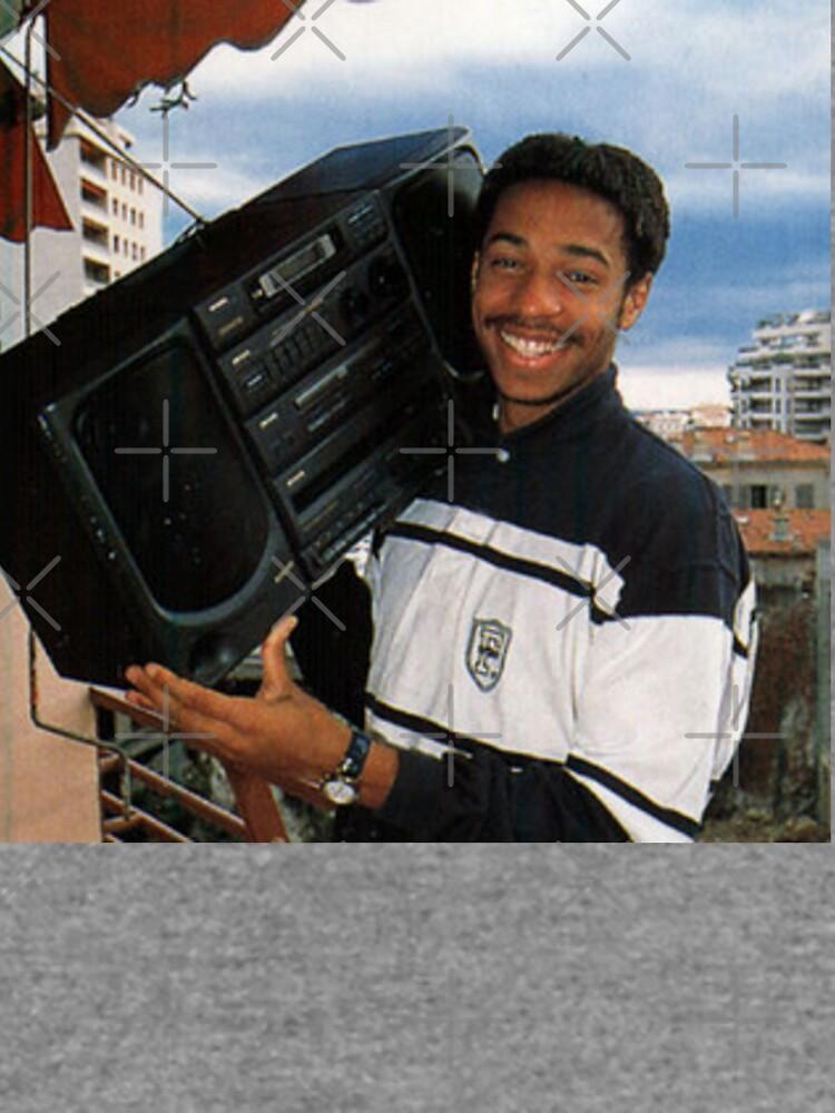 Thierry Henry con un Ghetto Blaster de jaywinston