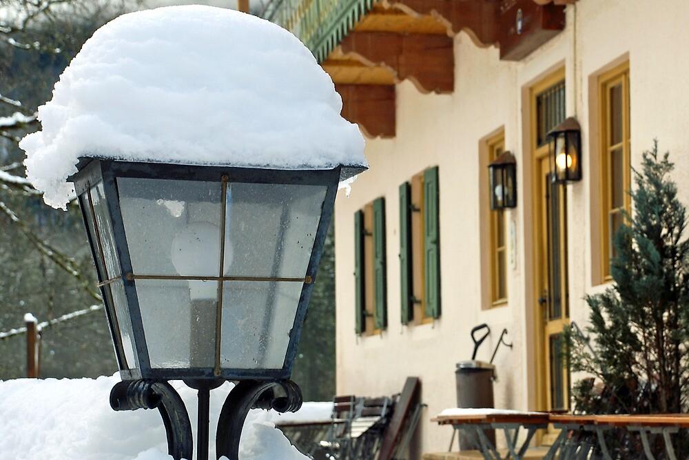 Snowcapped lamp by Arie Koene