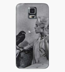 Tippi Hedren having her cigarette lit by a crow on the set of The Birds Case/Skin for Samsung Galaxy