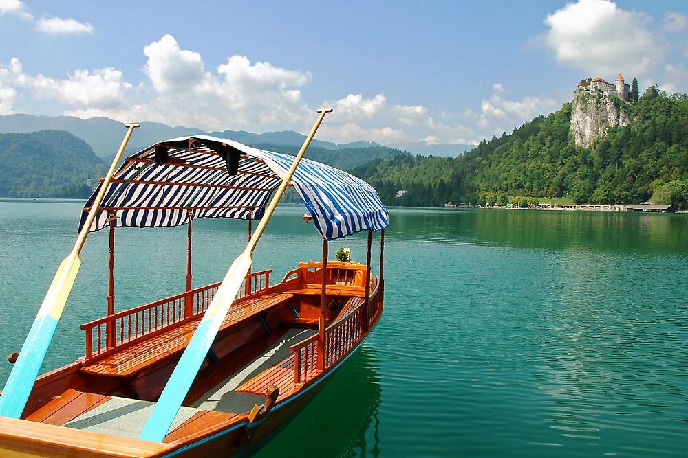 Gondola on lake Bled (Slovenia) by Arie Koene