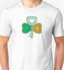 Camiseta ajustada Shamrock y Heart Design