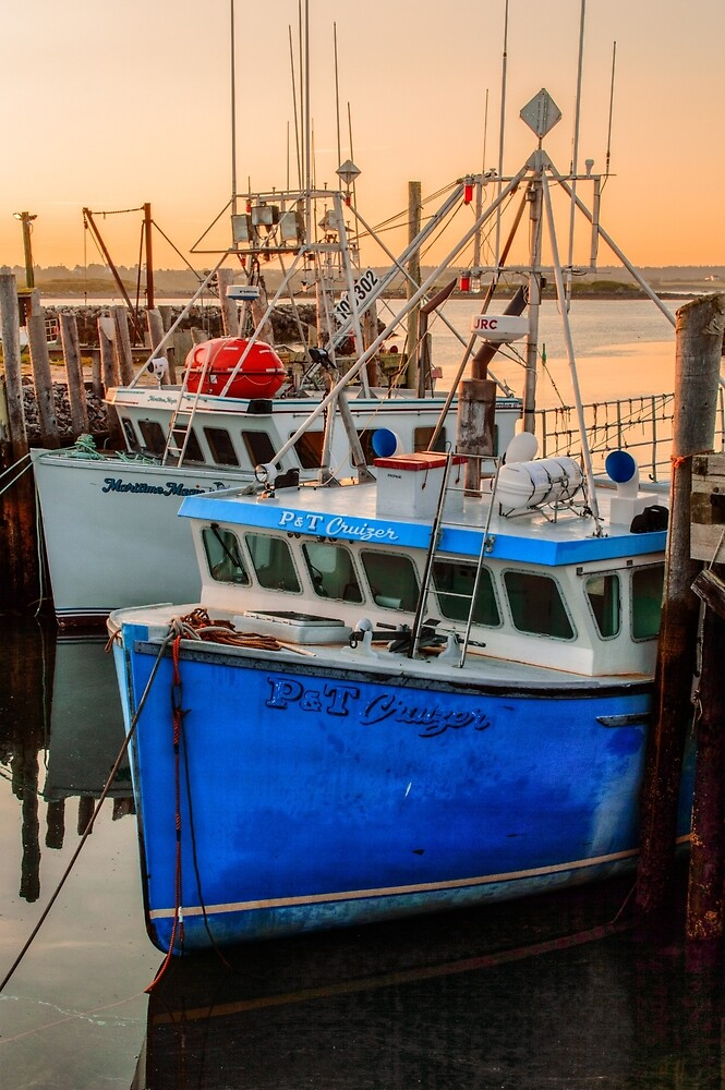 Yarmouth Harbour by Garvin Hunter Photography