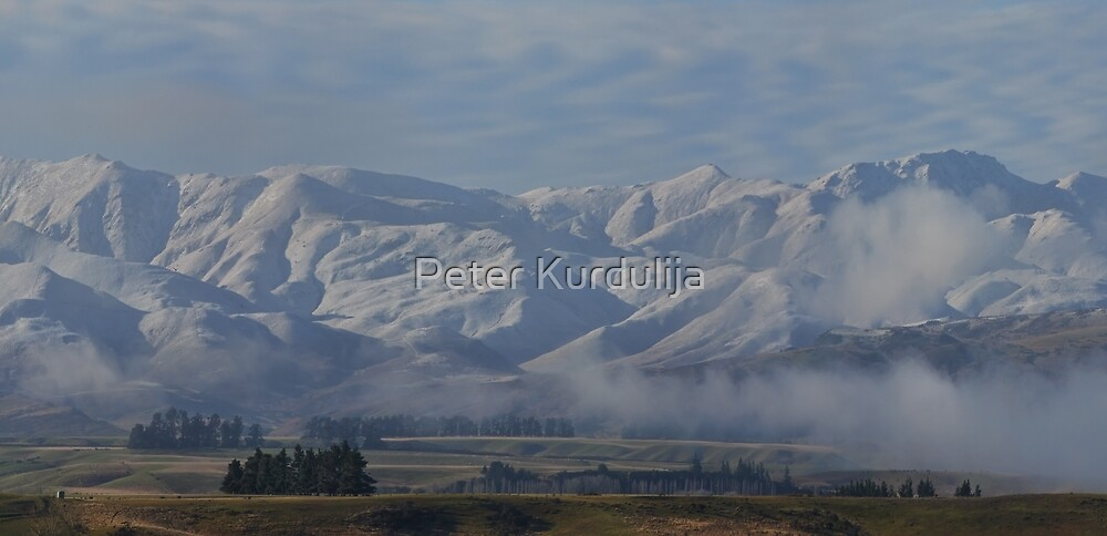 Winter Morning by the Ranges by Peter Kurdulija