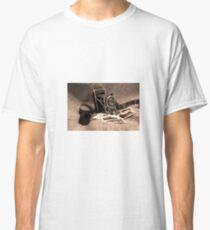 Old camera Classic T-Shirt