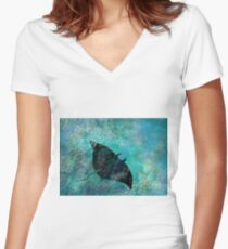 Manta Ray Women's Fitted V-Neck T-Shirt